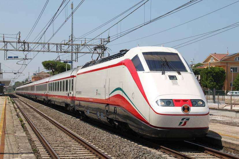 Treno Frecciabianca (Foto di Maurits90- Licenza Pubblico Dominio via Wiki Commons)
