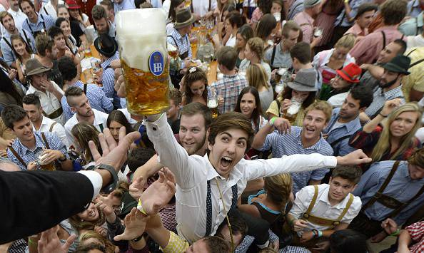 Oktoberfest 2015 (CHRISTOF STACHE/AFP/Getty Images)