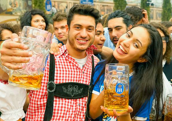 Partecipanti all'Oktoberfest (Johannes Simon/Getty Images)