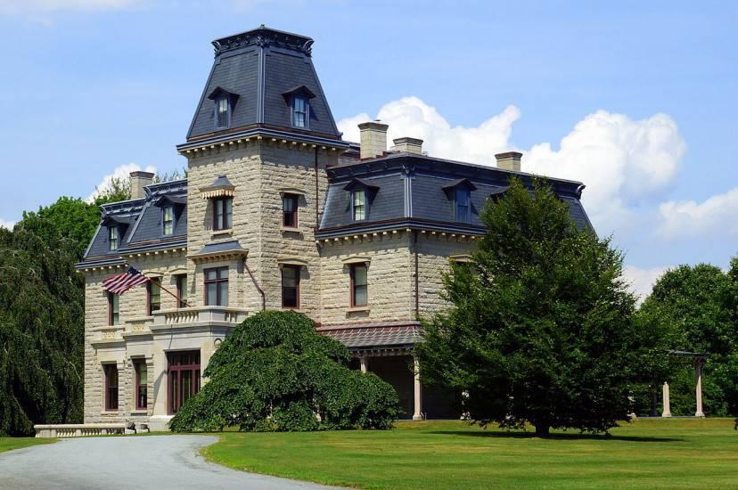 Chateau-sur-Mer edificio storico e museo di Newport (Skip Plitt - C'ville Photography. Licenza CC BY-SA 3.0 via Wikimedia Commons) -
