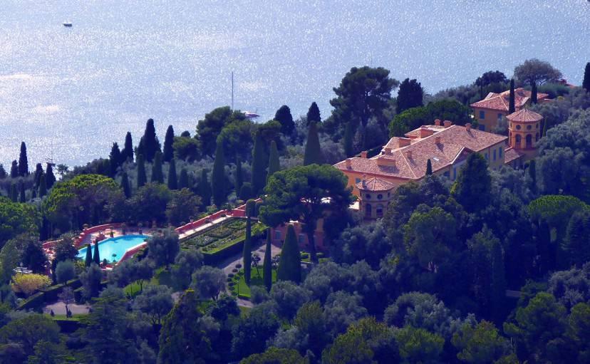 Villa Leopolda a Villefranche-sur-Mer (Foto di Miniwark. Licenza CC BY-SA 3.0 via Wikimedia Commons)