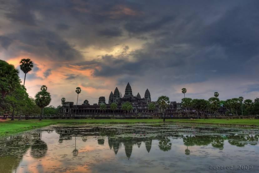 Angkor Wat, Cambogia (Foto di ecperez- Licenza CC-BY 2.0 via Flickr)