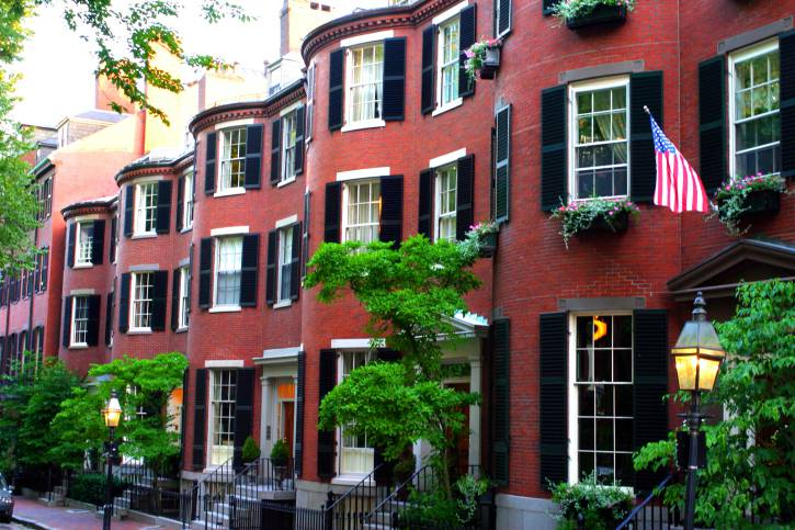 Le tipiche case rosse di Beacon Hill a Boston (Thinkstock)