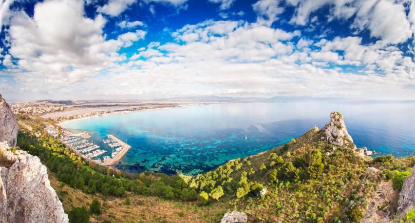 Veduta aerea di Sella del Diavolo e Cagliari (Thinkstock)
