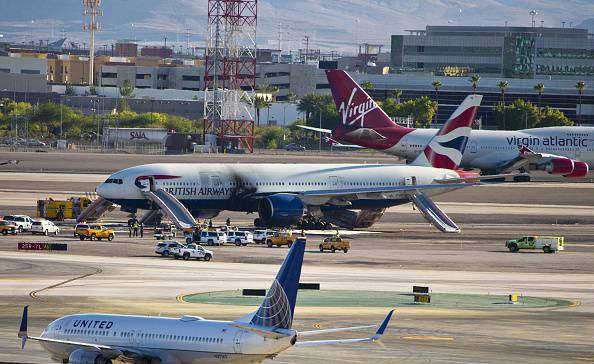 Aereo della British Airways in fiamme a Las Vegas (L.E. BASKOW/AFP/Getty Images)