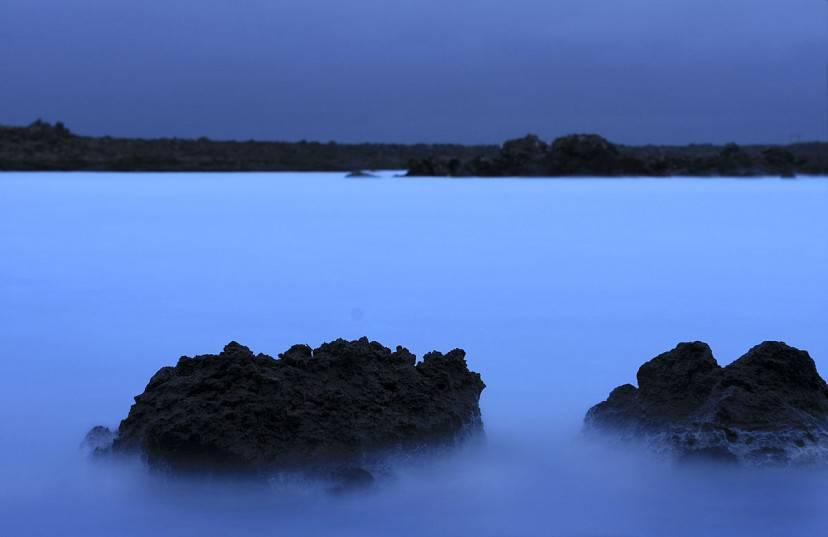 Laguna blu, Islanda (Foto di Sindre Jacobsen. Licenza CC BY 2.0 via Wikimedia Commons)