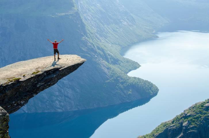 Trolltunga, Norvegia (Thinkstock)
