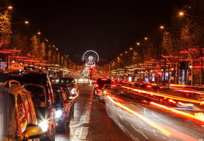 Champs-Élysées a Parigi (Thinkstock)