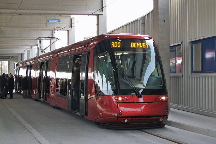 Tram Mestre-Venezia (Foto di Ivanfurlanis. Licenza CC BY-SA 3.0 via Wikimedia Commons)