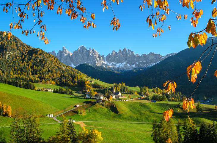 Santa Maddalena, in Val di Funes, con il Gruppo Odle, Alto Adige (Thinkstock)