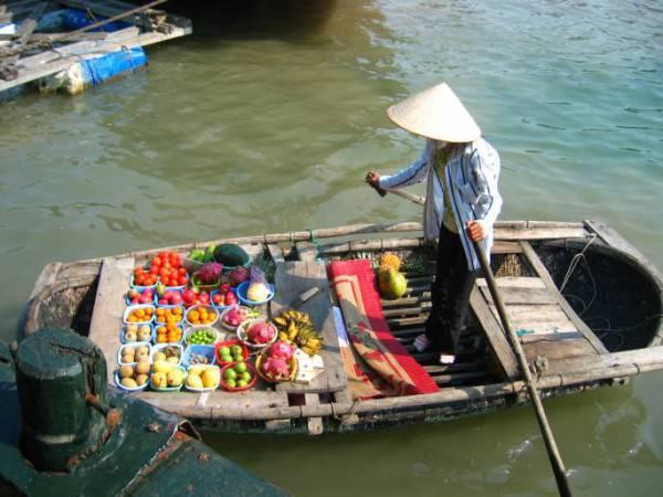 Mercato sull'acqua in Vietnam (Thinkstock)