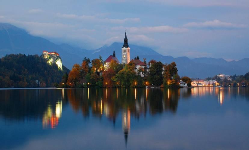 Lago di Bled, Slovenia (Foto di Edwardwexler. Licenza CC BY-SA 3.0 via Commons)