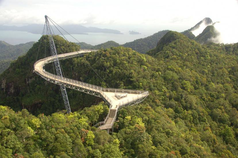 Langkawi Sky Bridge, Malaysia (Foto di The Dilly Lama. Licenza CC BY 2.0 via Wikimedia Commons)
