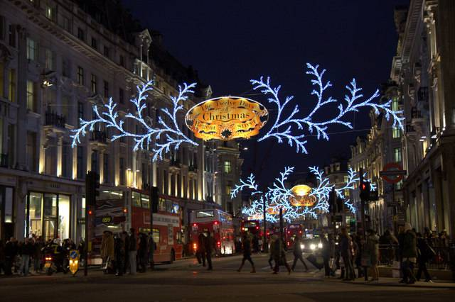 Decorazioni Natalizie Londra.Luci Di Natale 2018 A Londra La Date Di Accensione Delle Luminarie