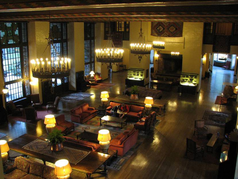 Ahwahnee Hotel (Foto di David Berry. Licenza CC BY 2.0 via Wikimedia Commons)