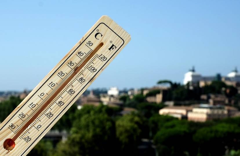 A thermometer shows 40 degrees Celsius at 16:30 in Rome on July 28, 2013. Temperatures reached 40 degrees Celsius  all over Italy, notably in Rome, Naples, Florence and Bologna, and up to 42 degrees Celsius in the southern region of Puglia and on the island of Sardinia.  AFP PHOTO / ALBERTO PIZZOLI        (Photo credit should read ALBERTO PIZZOLI/AFP/Getty Images)