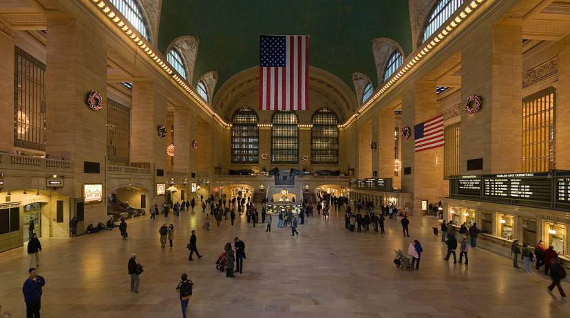 Grand Central Station, Manhattan, New York (Diliff. Licenza CC BY 2.5 tramite Wikimedia Commons)