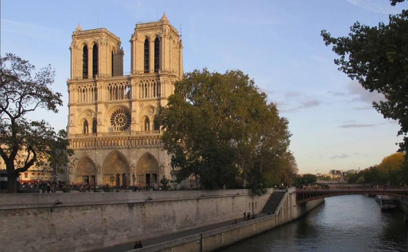 Notre_Dame (Gilbert Bochenek - Opera propria. Licenza CC BY-SA 3.0 tramite Wikimedia Commons)