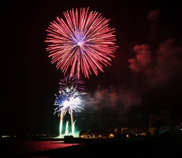 Fuochi di artificio ad Alghero (Thinkstock)