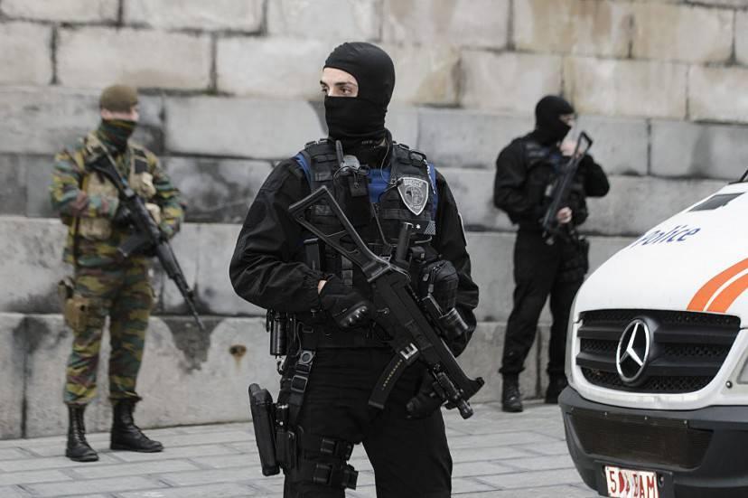 Le forze di sicurezza presidiano Bruxelles (NICOLAS LAMBERT/AFP/Getty Images)