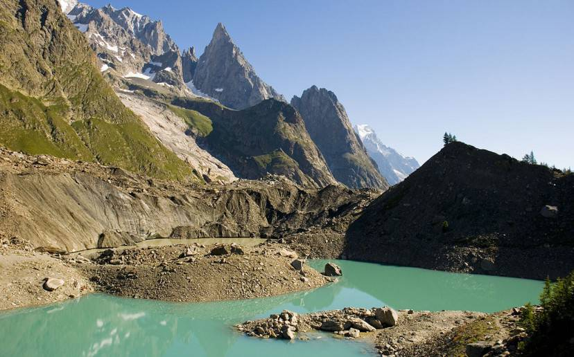 Lago di Miage (Foto di Jf378. Licenza CC BY-SA 3.0 tramite Wikimedia Commons)