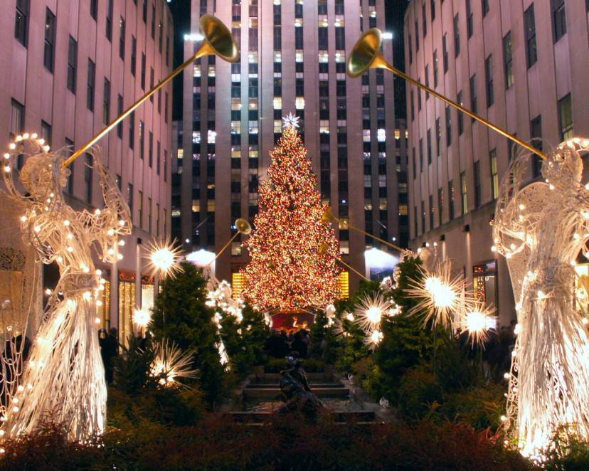 Rockfeller Center a Natale, New York /Foto di Nicholas LabyrinthX. Licenza CC-BY-SA-2.0 via Flickr)