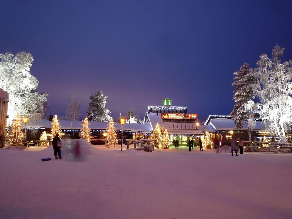 Babbo Natale Polo Nord.Il Santa Claus Village Di Babbo Natale Foto E Video
