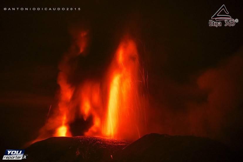 Etna, eruzione 3 dicembre 2015 (Foto YouReporter.it)