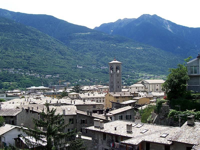 Sondrio (Foto di Geobia. Licenza CC BY-SA 3.0 via Wikimedia Commons)
