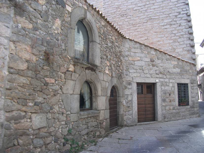 Tempio Pausania, Tempio Pausania, Casa di Nino di Gallura (Foto di AlPanich. Licenza CC BY-SA 3.0 via Wikimedia Commons)