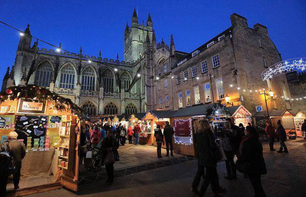 La Cattedrale di Bath e il mercatino di Natale (Matt Cardy/Getty Images)