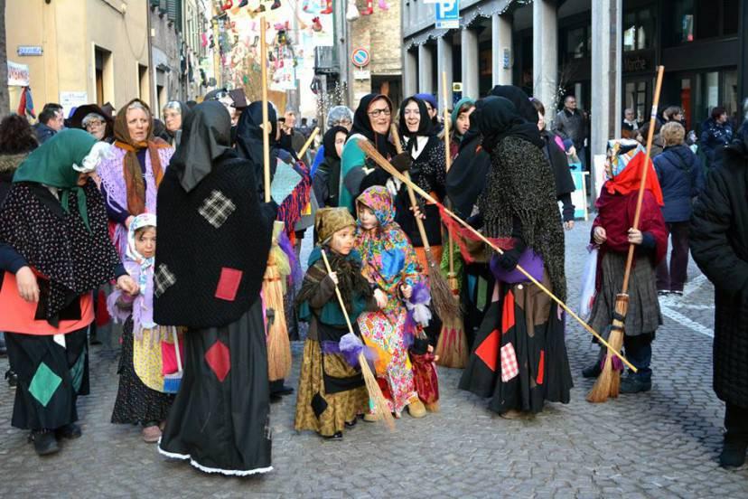 La Festa della Befana a Urbania (Facebook)