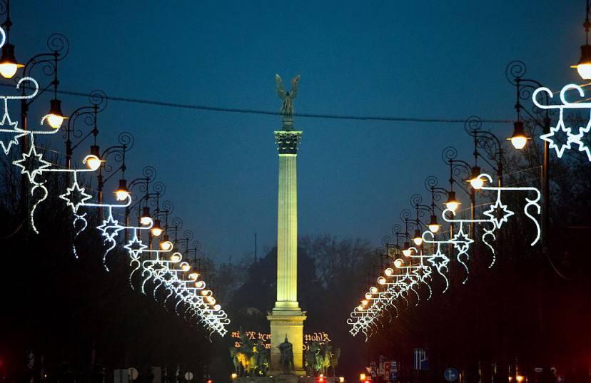 Budapest, Natale 2015 (ATTILA KISBENEDEK/AFP/Getty Images)