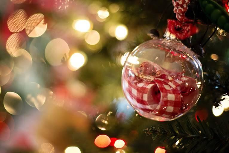 christmas-ornament-1042544_960_720