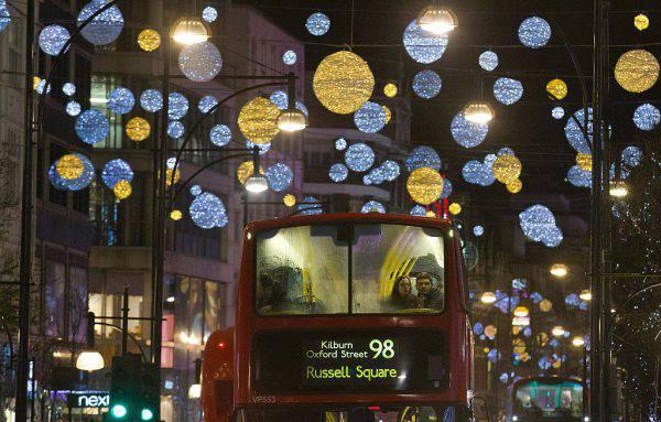 Londra, Natale 2015 (JUSTIN TALLIS/AFP/Getty Images)