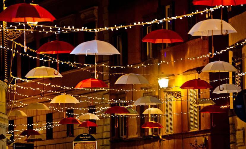 Luminarie natalizie a Roma (TIZIANA FABI/AFP/Getty Images)