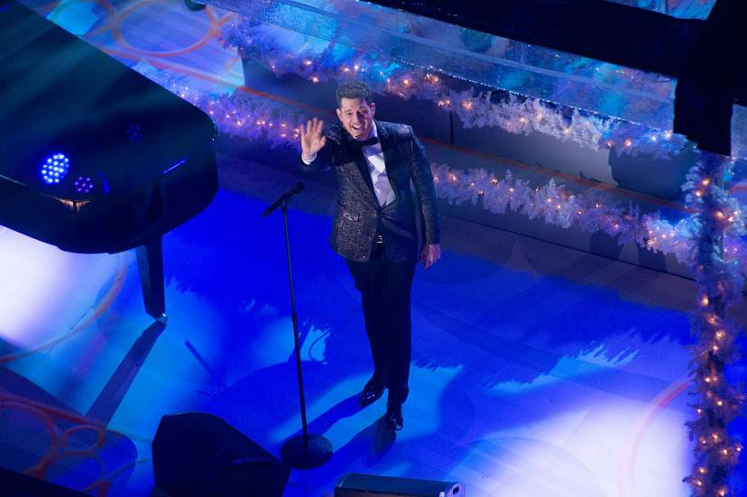 Michael Bublé durante la cerimonia di accensione dell'albero di Natale a Rockfeller Center (Getty Images)