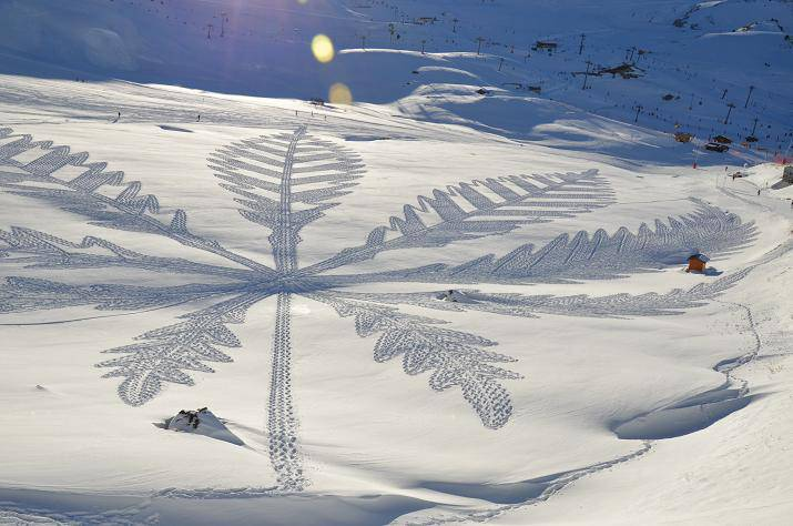 Simon Beck/da Facebook