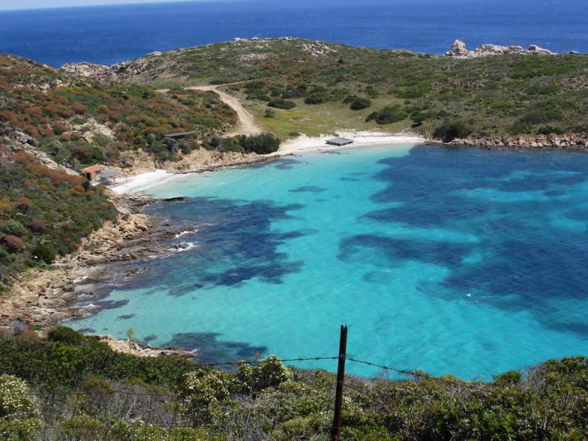 Cala Sabina, Isola dell'Asinara (Di dirk hartung. CC BY-SA 2.0 via Wikicommons)