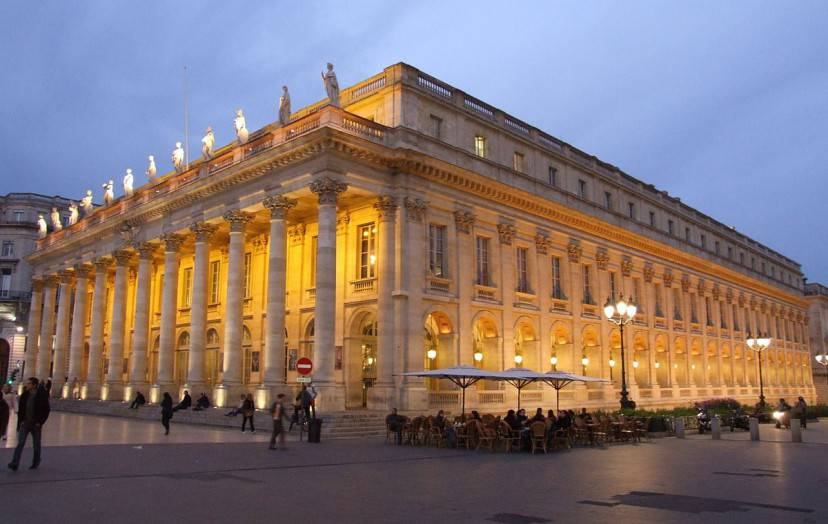 Bordeaux, Grand Théâtre (Foto di Christophe.Finot. Licenza CC BY-SA 2.5 via Wikimedia Commons)