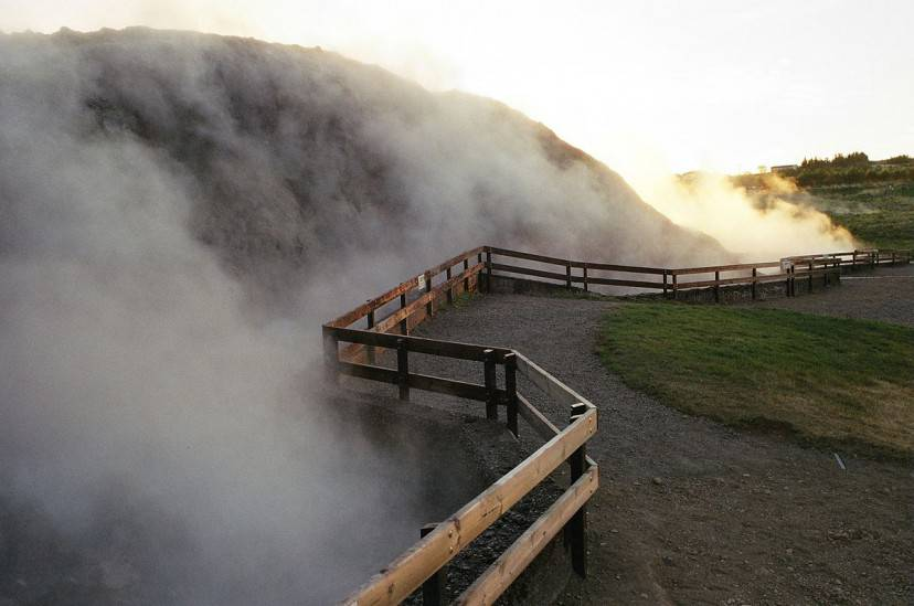 Deildartunguhver, Islanda occidentale (Foto di Reykholt. Licenza CC BY-SA 3.0 via Wikimedia Commons)