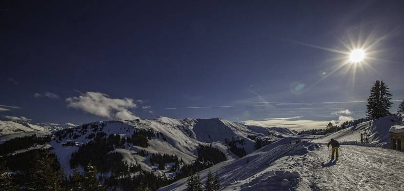 Kitzbuhel, pista da sci (Foto Valerii Tkachenko. Licenza CC BY 2.0 via Wikimedia Commons)