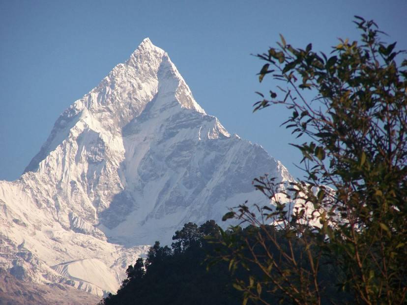 Machapuchare, Nepal (Foto di Nancy Collins. CC BY-SA 3.0 via Commons)