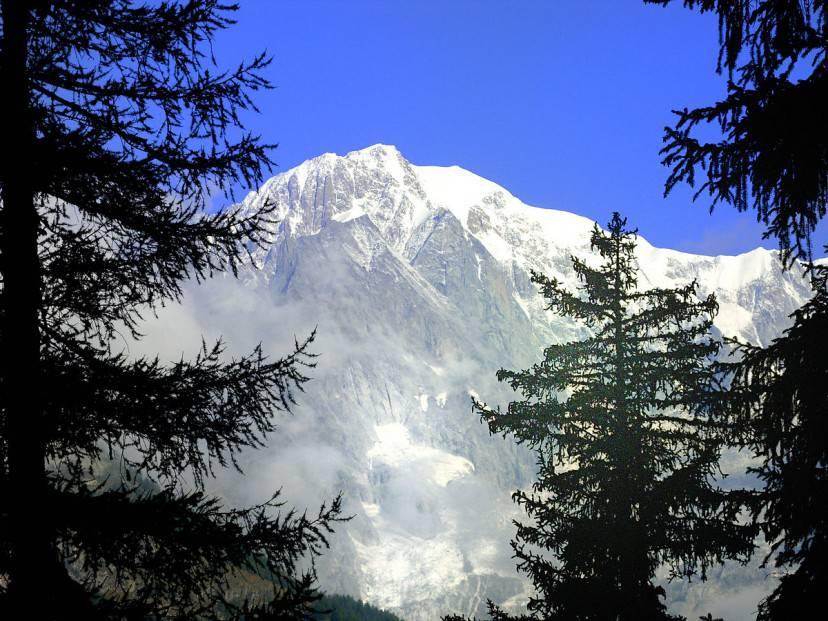 Monte Bianco (Foto di Angelomalvasia. Licenza CC BY-SA 3.0 via Wikimedia Commons)