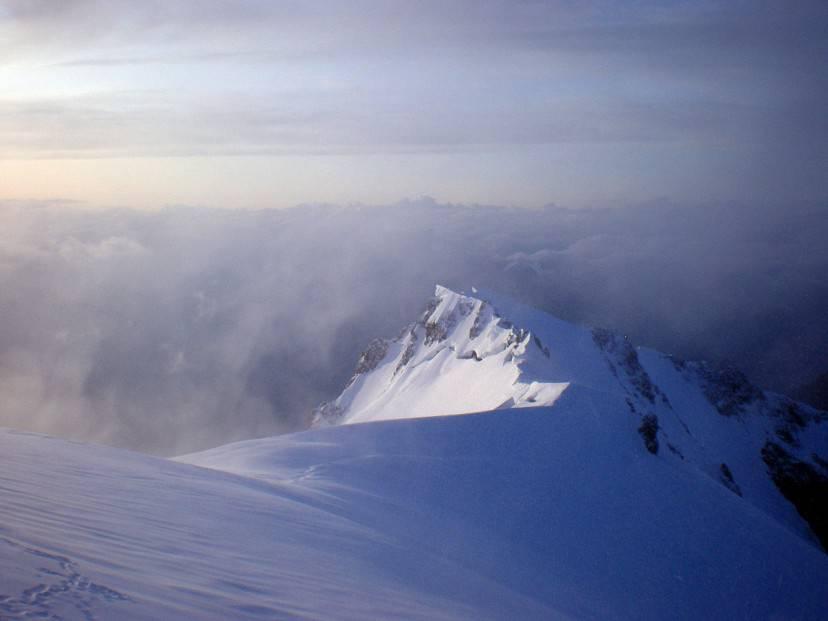Monte Bianco di Courmayeur (Di Rossoila.  CC BY-SA 3.0 via Wikicommons)