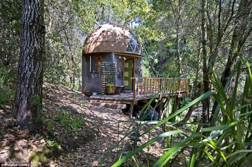 Mushroom Dome Cabin (Airbnb)