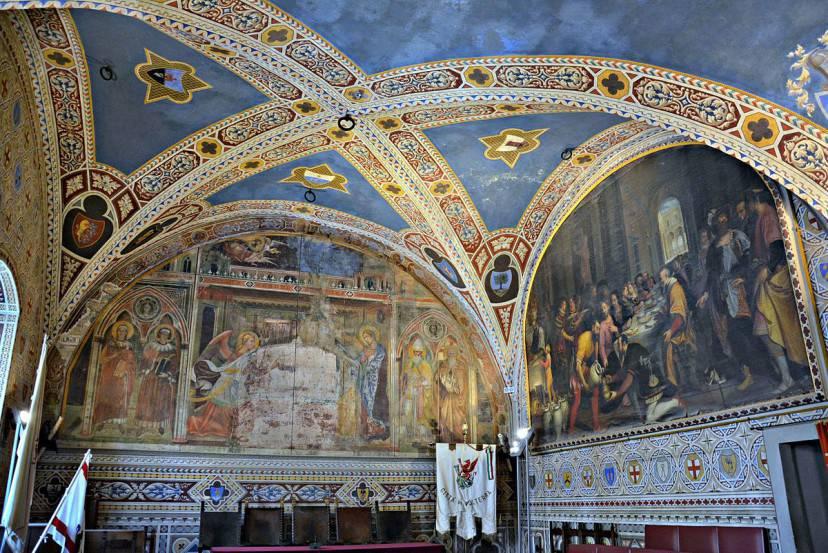Palazzo dei Priori di Volterra, interni (Di Mentnafunangann. CC BY-SA 4.0 via Commons)