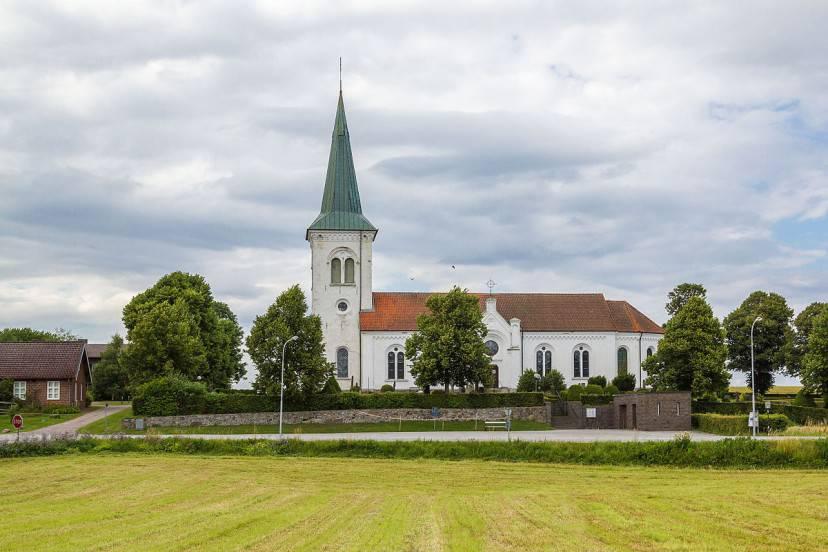 Chiesa di Asks, Skane (Scania), Svezia (Foto di Calle Eklund. Licenza CC BY-SA 4.0 via Wikimedia Commons)