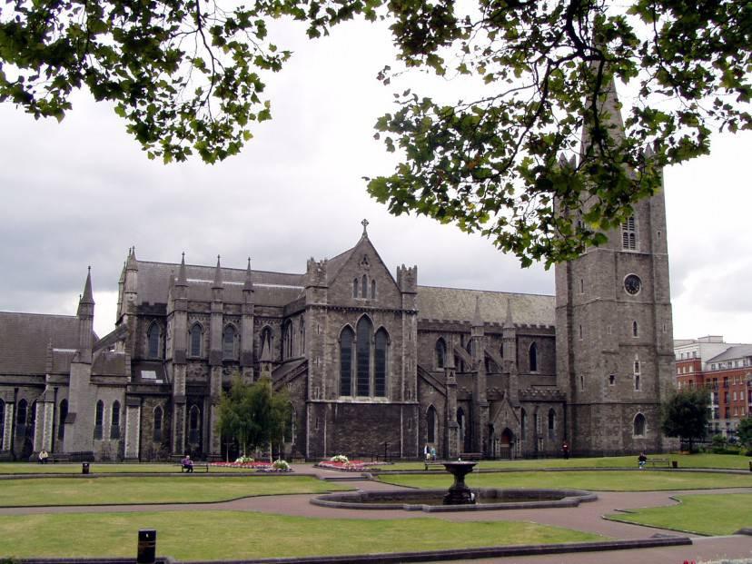 Dublino, Cattedrale di San Patrizio (Foto da Wikipedia, pubblico dominio)