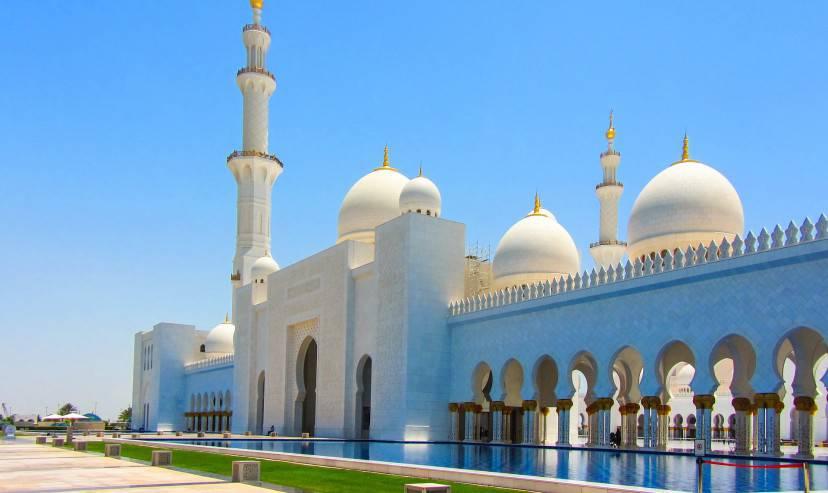 La Grande Moschea di Abu Dhabi (Pixabay)
